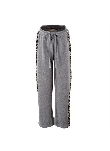 Silversun Kids Baskılı Bel Lastikli Yanları Leopar Desen Şeritli Alt Kız Çocuk Pantolon Jp 315213 Gri